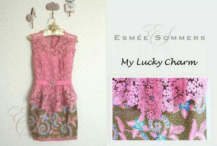 simple yet beautiful pink kebaya