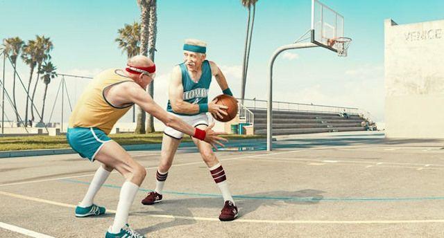 Znalezione obrazy dla zapytania player old and new basketball