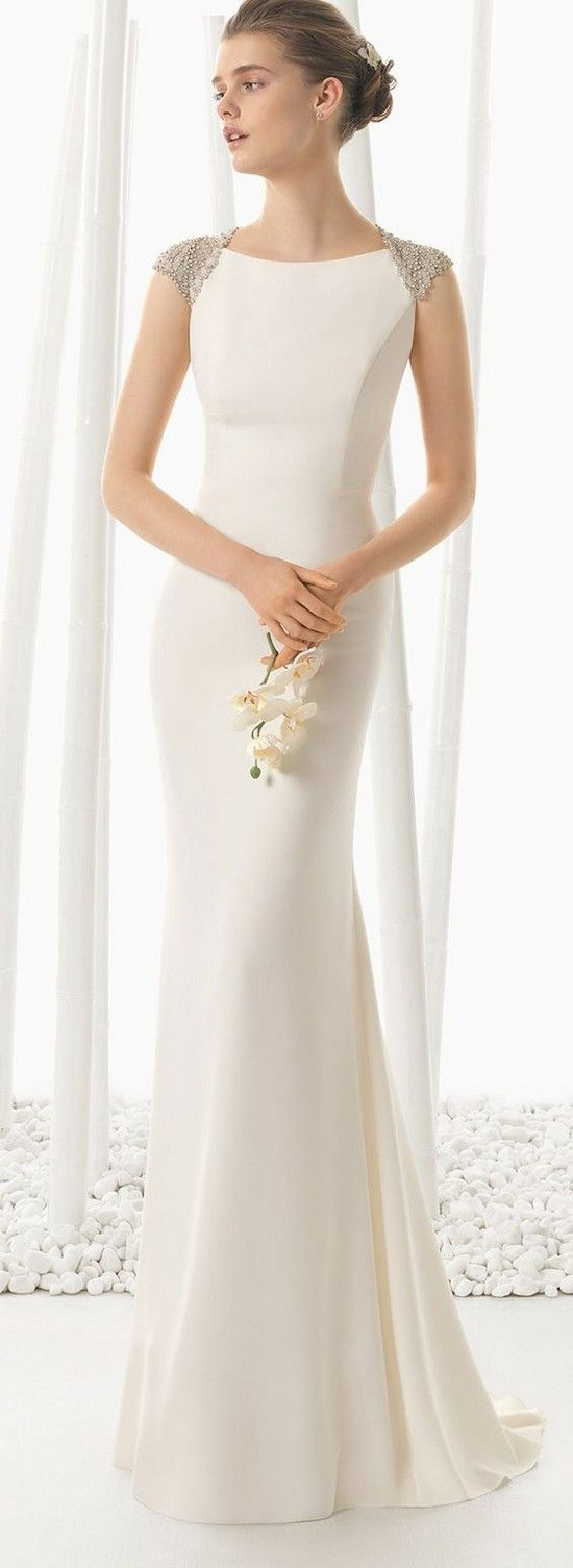 Rosa Clara Spring 2016 beach wedding dress / http://www.deerpearlflowers.com/beach-wedding-dresses-with-gorgeous-details/2/