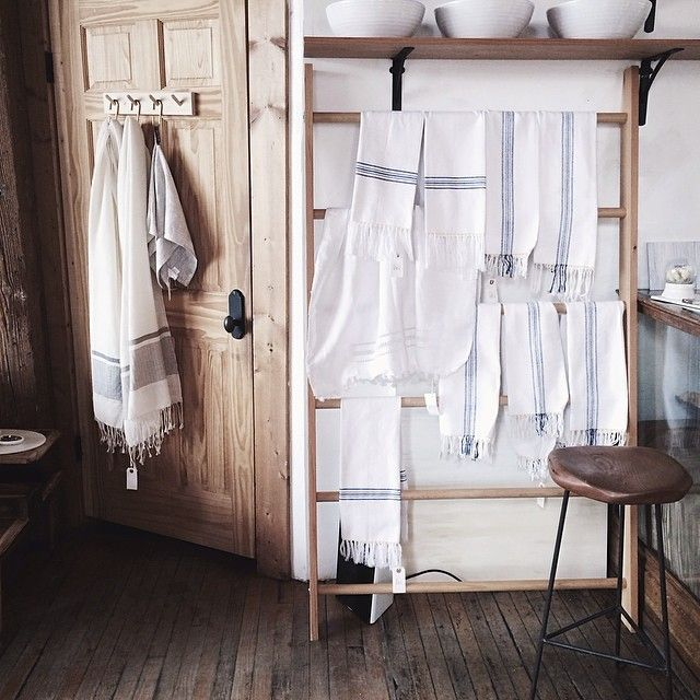 photo by another feather: Turkish Towels, Kitchens Towels, Hanging Towels, Linens Towels, Rustic Bath, Kitchens Inspiration, Kitchens Ideas, Rustic Cottages, Rustic Beautiful