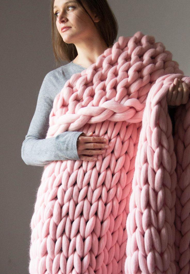 Large Chunky Blanket. Knitted blanket. Merino Wool Blanket. Bulky Blanket. Extreme Knitting.