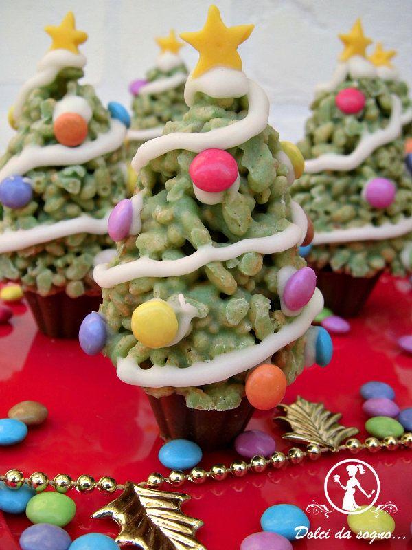 alberelli di natale fatti di cereali ottima idea per le feste di Natale. Piaceranno sicuramente ai bambini