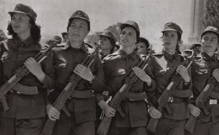 Female soldiers of the Albanian People's Army.