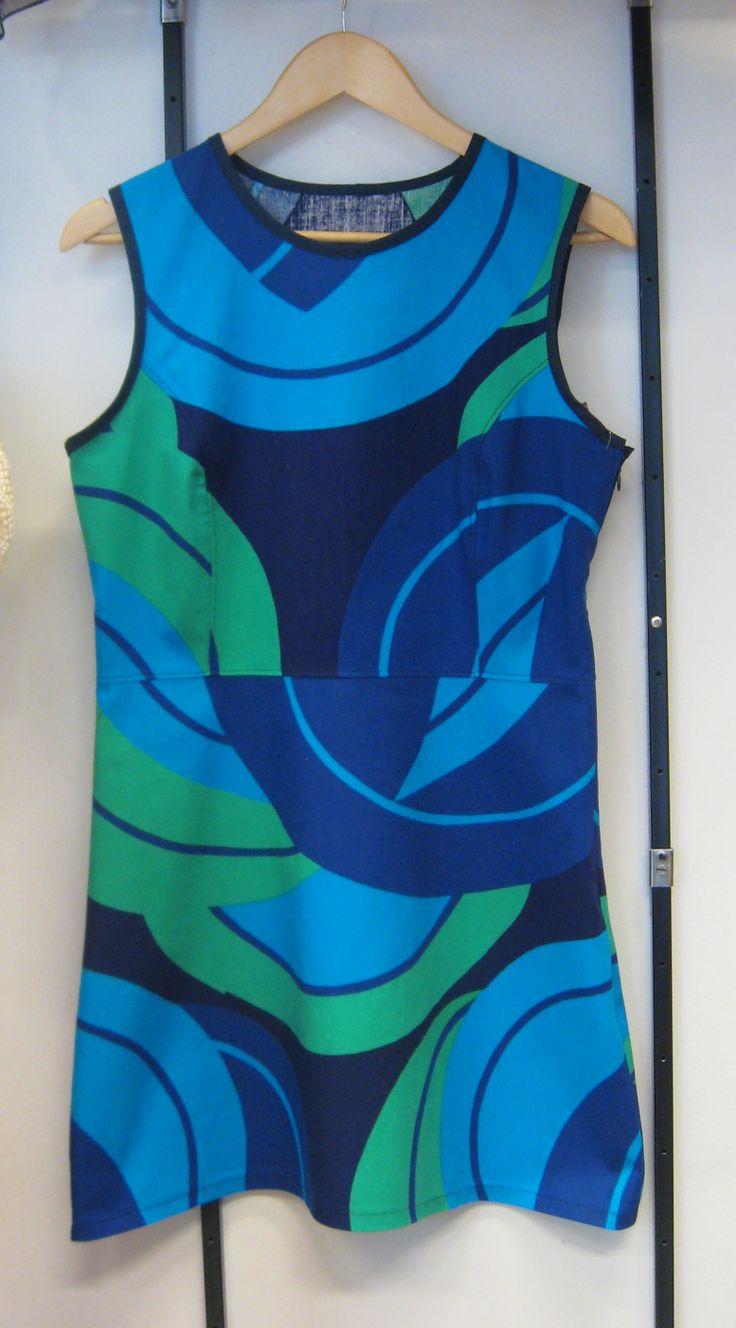 Naisten kierrätyskankainen retromekko - Women retro dress