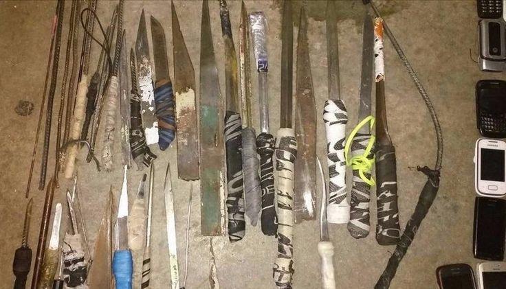 Requisaron y encontraron de todo en la cárcel: Ocurrió en Florencio Varela. Incautaron 137 celulares, 38 facas y plantas de marihuana.…