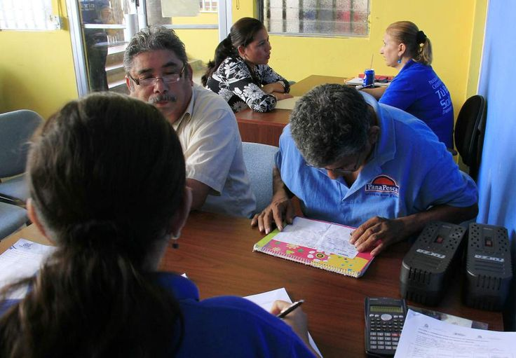Honduras: Tu Banca Solidaria desembolsó más de L30 millones en préstamos a mipymes de San Pedro Sula. Emprendedores reciben información en las oficinas de Tu Banca Solidaria.