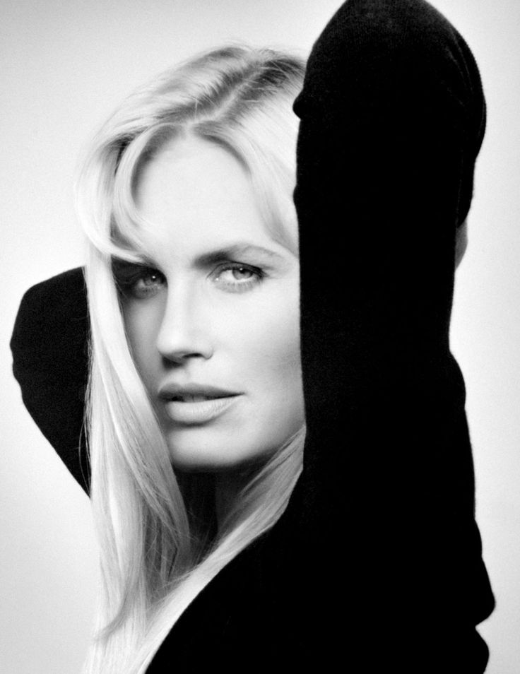 Actress Daryl Christine Hannah.  Born 3 Dec 1960, Chicago, Illinois. Photograph by by Michel Comte 1992. Loved her in Splash
