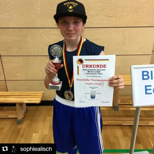 No matter your age - You will succeed if you are brave enough to take action: Like this girl who won the silver medal in olympian boxing just at the age of thirteen. #Repost @sophiealisch #boxhaus #boxhausbrand #boxen #DeutscheMeisterschaft #Vizemeister #littlechamp