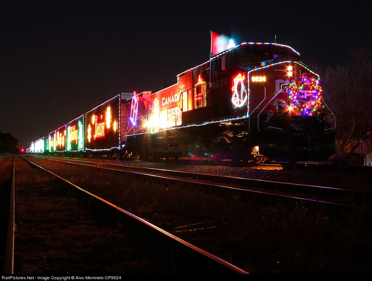 Christmas freight train from the Canadian National railroad! I hope it passes through minnesota this year!