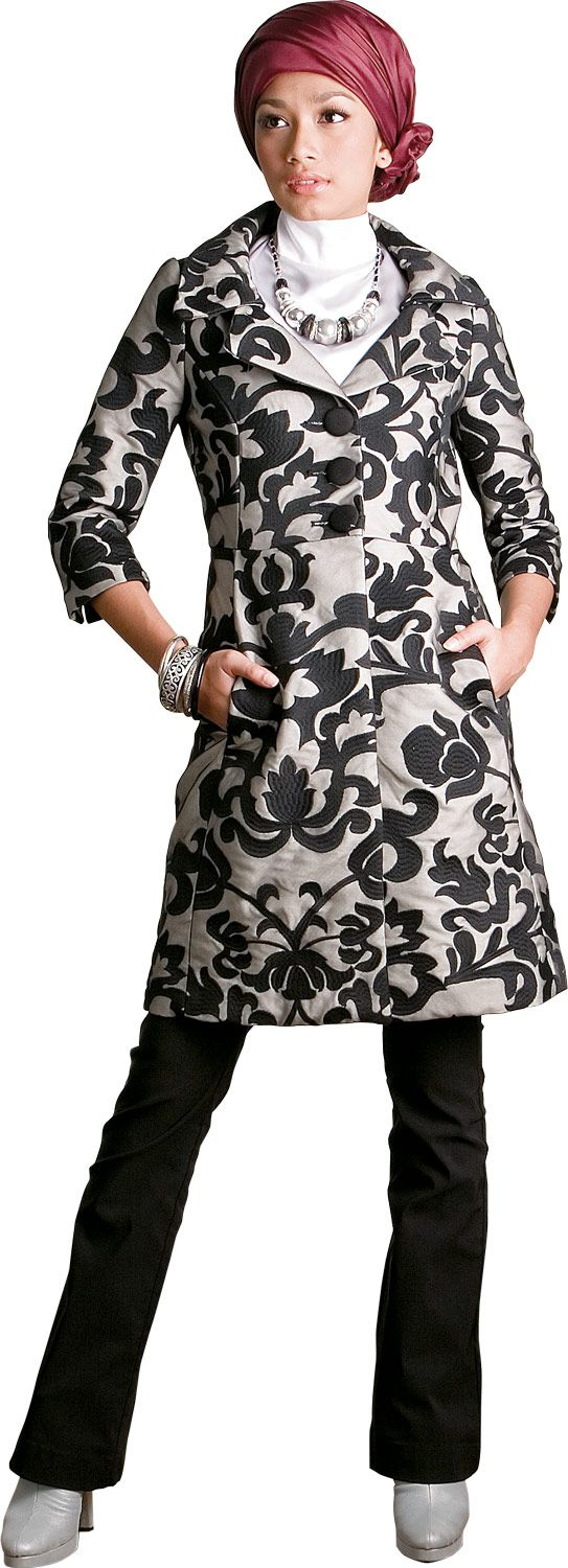 Chic Hijabi - This hijab style works well for smart casual occasions.