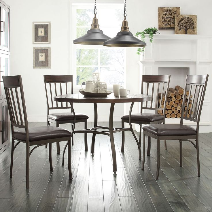 This dining set provides a simple yet rustic look to for Decor 8 piece lunch set