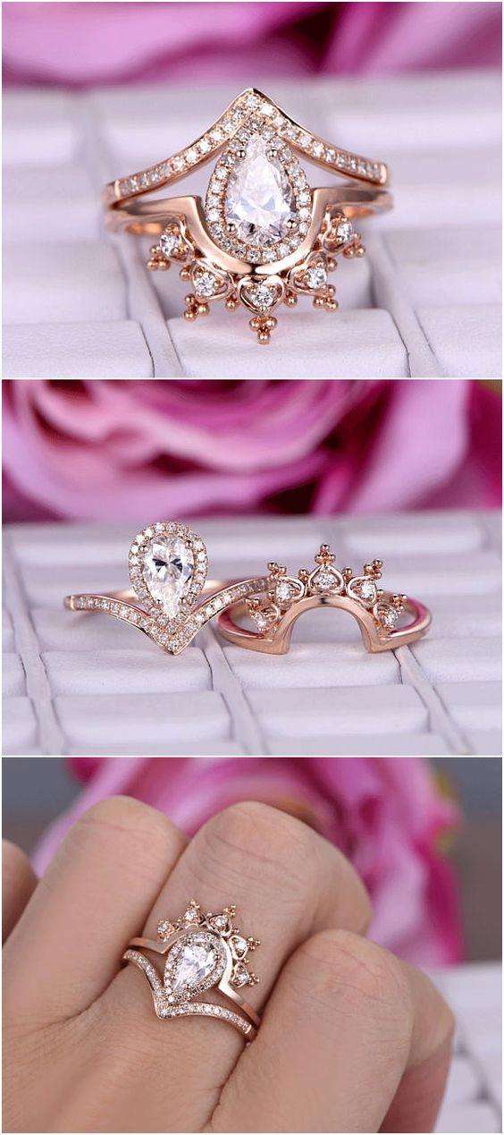 Pear Shaped Moissanite Engagement Ring Set 14k Rose Gold Diamond Wedding Band Vintage Crown Antique Bridal Sets Retro Women Anniversary Gift