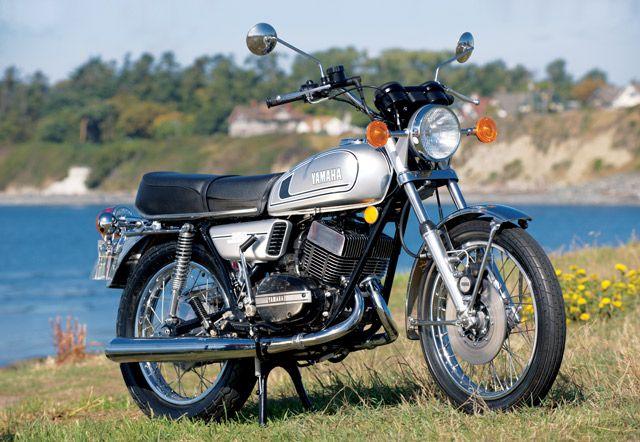 Yamaha RD350Yamaha Rd350 Riding, Adrenaline Pump, Legendary Yamaha, Mopeds, Strokes Bikes, Yamaha Rd350Ride, Yamaha Rd350 Mmm, Bikes Bikes