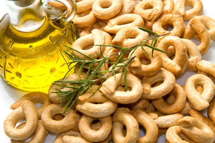 I taralli sono un prodotto da #forno tipico del #Salento attualmente esportati in tutto il #mondo
