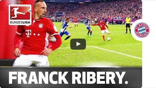 Peter Pekarik chyba do tej pory nie może się odkręcić • Franck Ribery wkręcił w ziemię Petera Pekarika w meczu Hertha vs Bayern >>