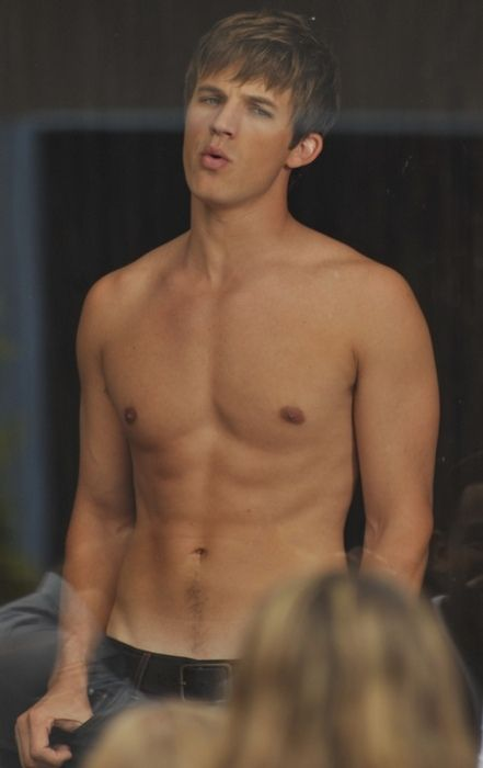 matt lanter... wow... =)))