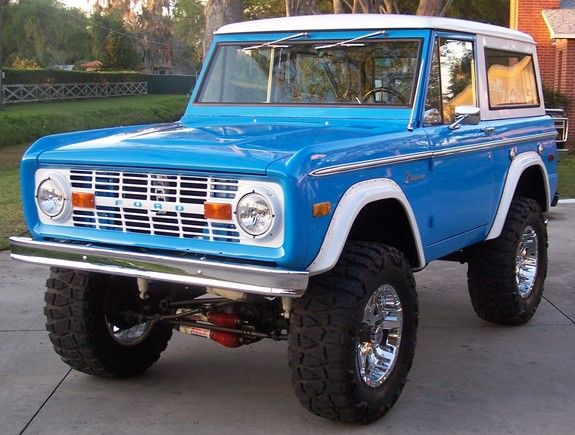 1973 Ford Bronco - mine was a '72, but this is pretty much it.