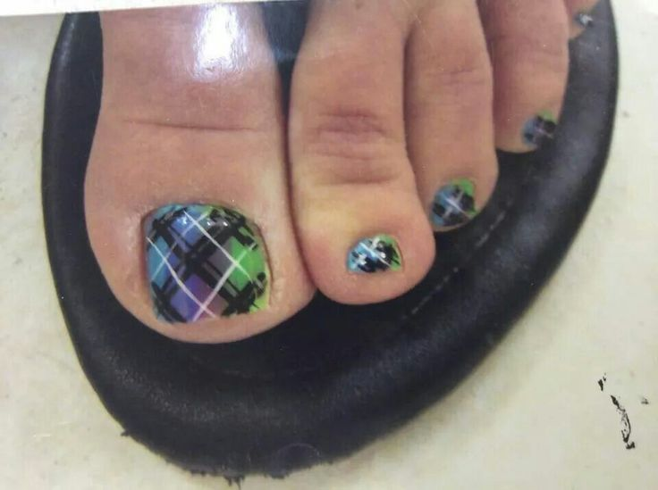 Plaid rainbow toe nails
