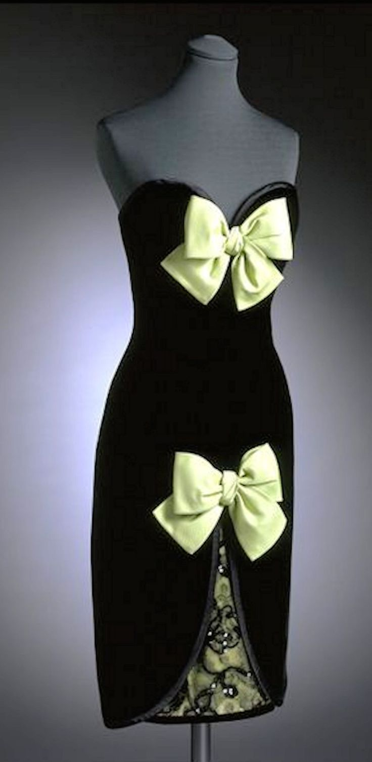 Yves Saint Laurent - 1985 - Victoria and Albert Museum Collection, London eighties 1980s dress gown fashion designer x