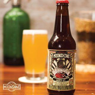 Para los sedientos de más nuestra #Moonshine estilo Amber Ale #piensaindependiente #tomaartesanal #cervezabogotana #cervezasmoonshine #cervezacolombiana #craftbeer #bogota