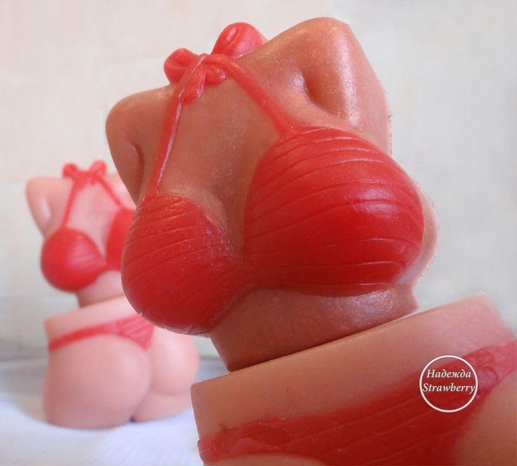 Брутальное  мыло ручной работы в красном купальнике