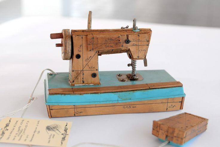 Norton Maza, La Necesidad de Jugar II (Sewing Machine), 2017, Isabel Croxatto Galeria