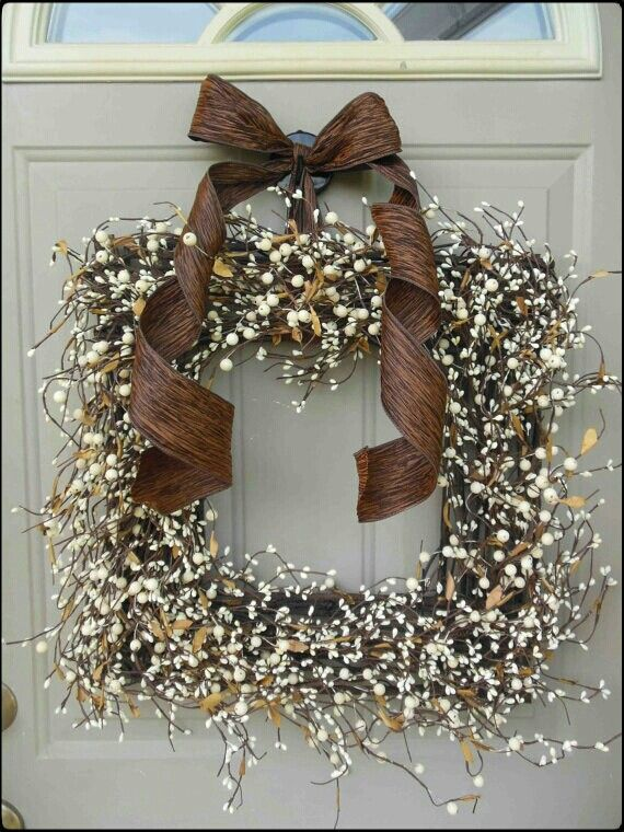 Beautiful square wreath (really loving these!) - indoors or out.