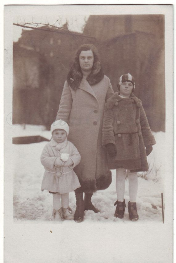 Vintage Photo  Family Portrait  Mother and children Photo