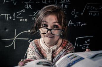 Witaj szkoło! Zabieganym dziś rodzicom życzymy wszystkiego najlepszego, wytrwałości w codziennym wstawaniu, cierpliwości w odrabianiu lekcji i satysfakcji w pracy z nauczycielami  www.medintel.com.pl