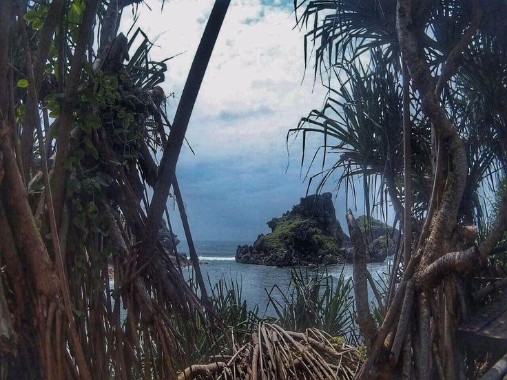 Peeking the beauty of Nglambor beach, it is surrounded by karst hills & cliff #beach #yogyakarta