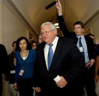 Former House speaker Hastert is indicted on bank charges  http://a.msn.com/r/2/BBkmm9p