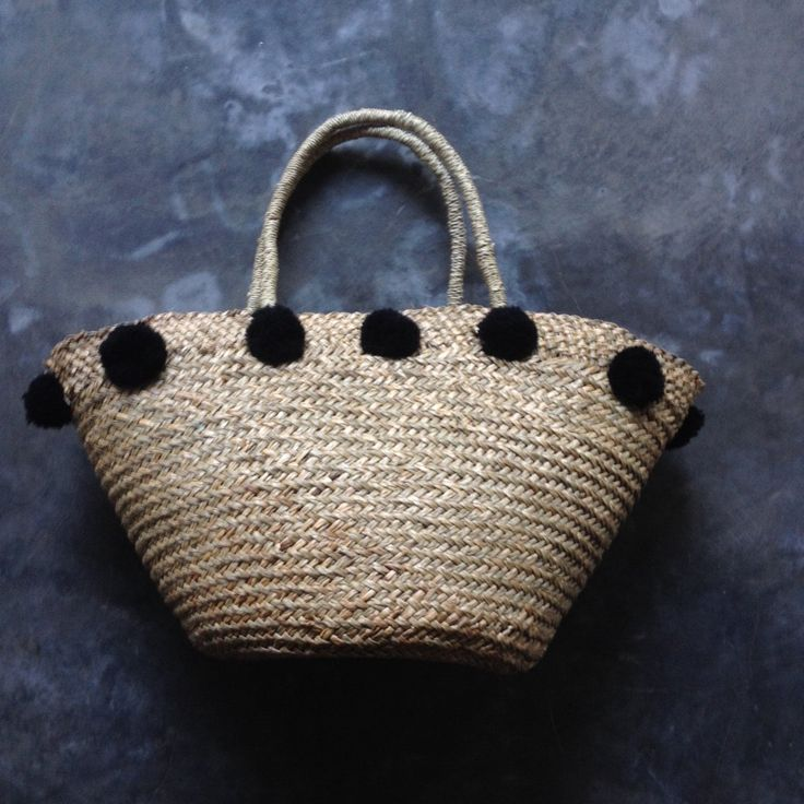 Bag Pandanus With Black  Pompoms