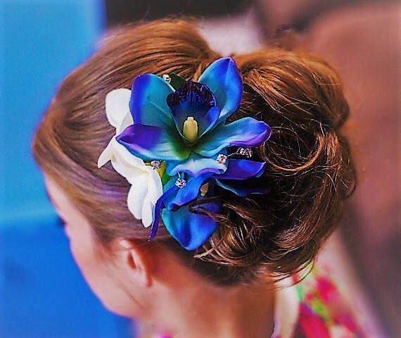 Tropical Hair Flowers, Blue silk orchid, Plumeria, hair accessory, Bridal, Wedding Headpiece, Hawaiian, Beach wedding, Hair piece, hair comb by MalamaPuaBridal on Etsy https://www.etsy.com/listing/187808479/tropical-hair-flowers-blue-silk-orchid
