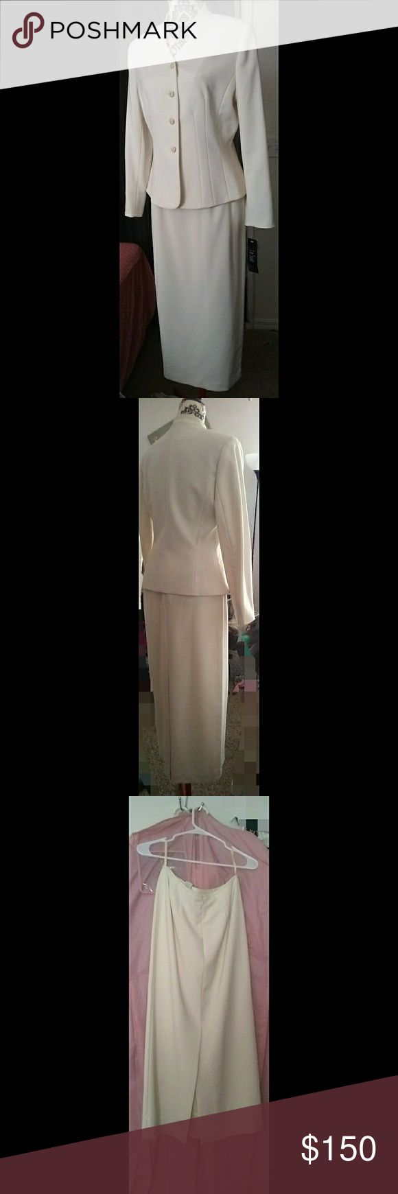 Women's Skirt Suit Maxi Length Skirt, with Kick Pleat Split at Back of Skirt. Princess Seams is Detailed on Shell of a Silk Lined Jacket. NWT. Mother of Pearl & Gold Buttons. Garment Bag Included Le Suit Skirts Skirt Sets