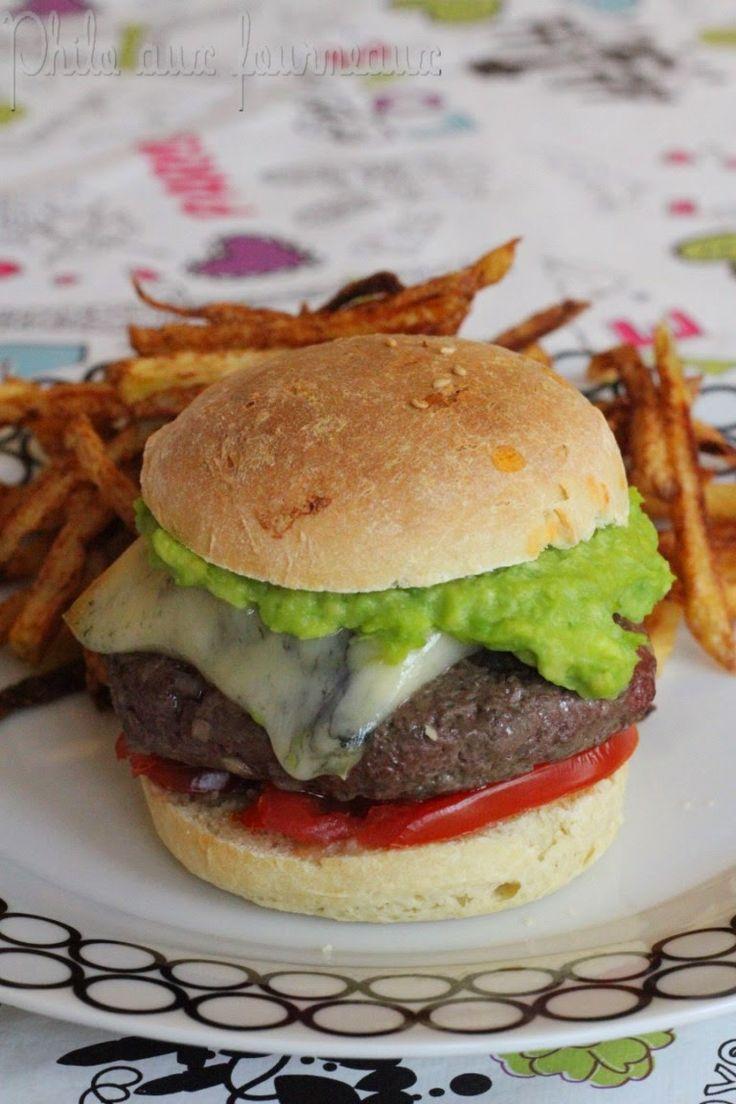 Burger avocat et morbier relevé au Tabasco Vert