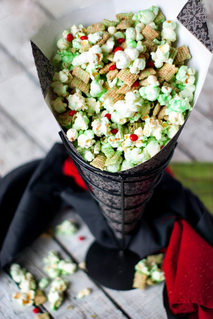 How the Grinch Crunched Christmas Popcorn Mix | Recipe ...