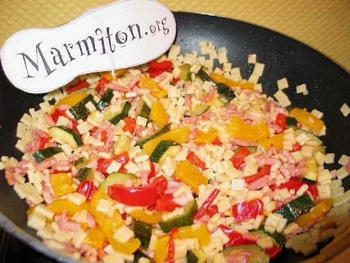 poivron rouge, courgette, cube de bouillon, beurre, eau, crozet, lardons, poivron