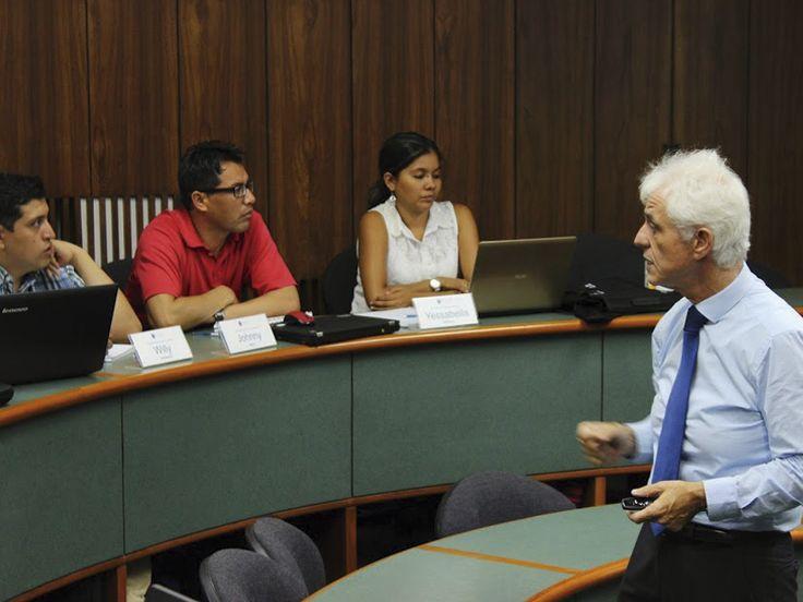 El Dr. Armando Tauro realiza un breve análisis sobre los cambios que deparan para el PBI en Perú para este año 2015.