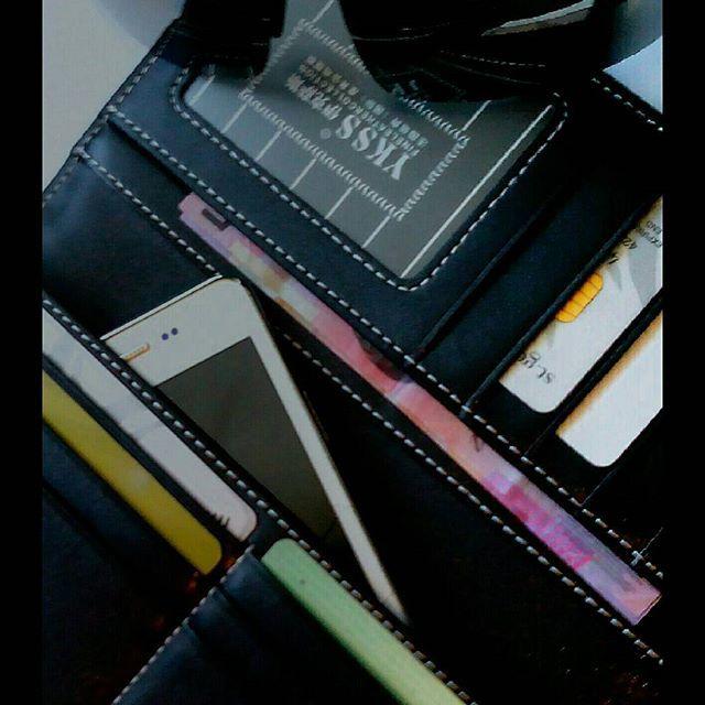 Mens or ladies 100 percent leather wallet. www.stores.eBay.com.au/bbgbrandsbyg (scheduled via http://www.tailwindapp.com?utm_source=pinterest&utm_medium=twpin&utm_content=post12841780&utm_campaign=scheduler_attribution)