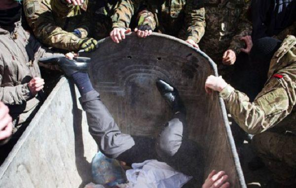 Драка, кровь и мусорный бак – под Киевом люстрировали экс-свободовца