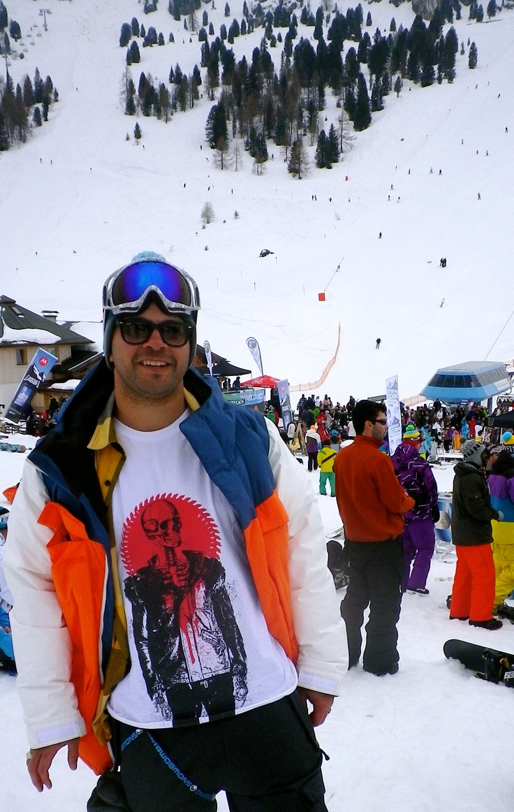 Garfield wearing 'Skelly' by www.galleria-t.com at the #snowbombing #festival in the alpine setting of Mayrhofen, Austria.