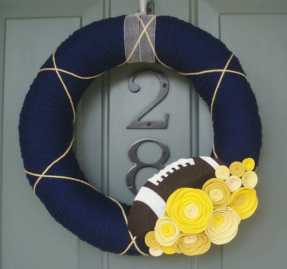 Football Yarn Wreath.. cute idea!