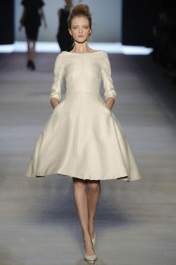 creme dressWedding Dressses, Runway Fashion, Style, Giambattista Valli, Bridesmaid Dresses, Winter Wedding, Spring 2009, Dreams Dresses, Winter Dresses