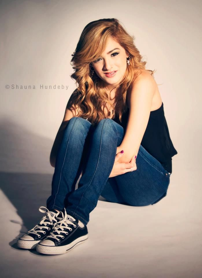 Olivia 'Chachi' Gonzales Nude Photos 14