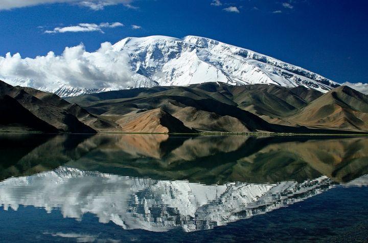 Kara Kul See im Tadschikistan Reiseführer http://www.abenteurer.net/2971-tadschikistan-reisefuehrer/