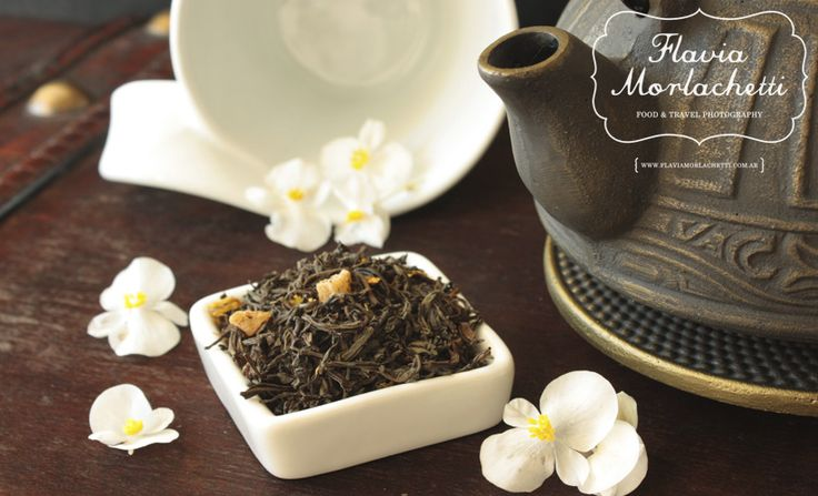 Iron teapot and tea blend ~ Food Photography ~ www.flaviamorlachetti.com