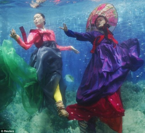 underwater hanbok fashion show