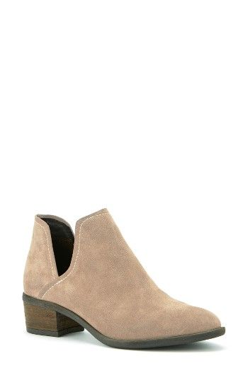 Free shipping and returns on Blondo Marla Waterproof Boot (Women) at Nordstrom.com. Don't let the weather put a damper on your style with this waterproof, seam-sealed boot featuring minimalist lines and a stacked block heel.