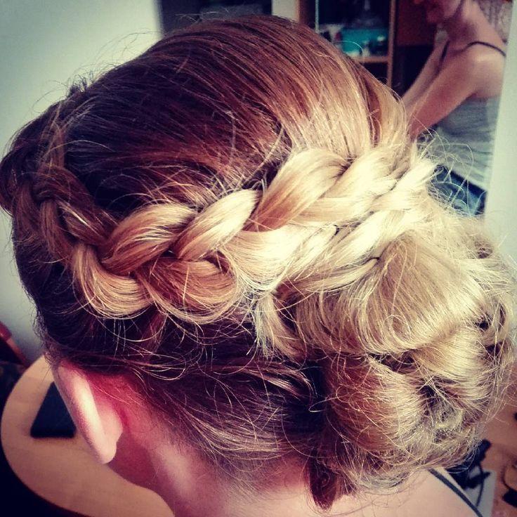 Ombre tak pięknie wygląda w upieciach :) #hair #hairstylist #hairdresser #fryzjerwkrakowie #fryzjerkrakow #fryzjer #updo #braids #weddingday #weddinghair #wlosomaniaczka