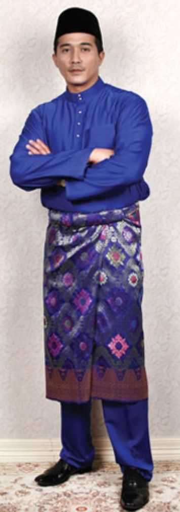 baju melayu biru | Malay Traditional Costume | Pinterest